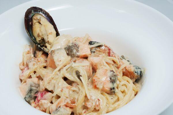 #1 Cách Làm Mỳ Ý (Spagetti) Sốt Kem Hải Sản Tại Nhà