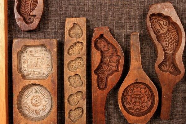 Khuôn làm bánh trung thu bằng gỗ truyền thống