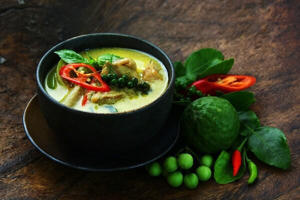 Cà ri gà xanh (Geng Kheaw Wan Gai)