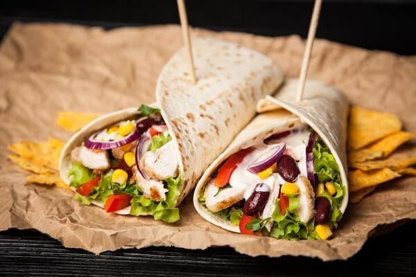 Bánh Burrito là gì, Cách làm Burrito gà truyền thống kiểu Mexico chỉ 2 khâu cơ bản tại nhà