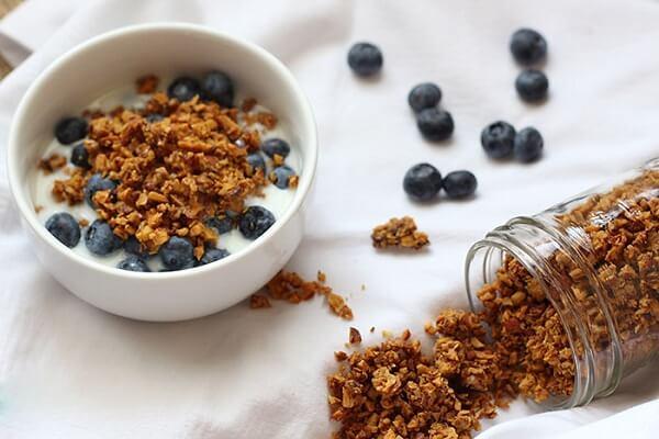 Granola là gì, Cách làm ngũ cốc Granola bằng yến mạch, hạnh nhân tại nhà chỉ 4 bước đơn giản