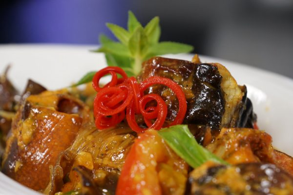 Lươn xào lăn là một món ăn đồng quê dân dã