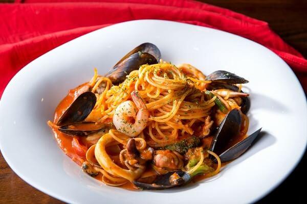 𝓗𝓞𝓣- Cách Làm Mì Spaghetti Hải Sản Ngon Và Đơn Giản Tại Nhà