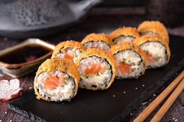 Cách làm sushi chiên giòn ngon độc lạ và cực kỳ dễ làm
