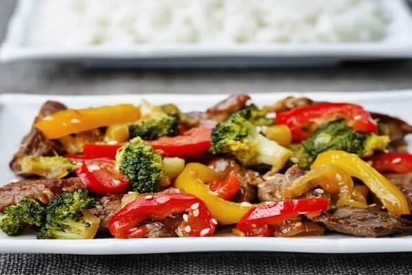 Thịt bò xào với ớt chuông là 1 tuyệt phẩm đặc sắc cả về hương vị và màu sắc