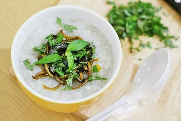 3 cách nấu cháo lươn cho bé ăn dặm, cháo lươn Nghệ An đậu xanh đơn giản thơm ngon nhất