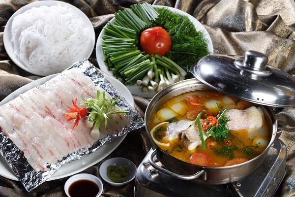 Cách nấu lẩu cá diêu hồng cà chua xương ống ngon ngọt đậm đà