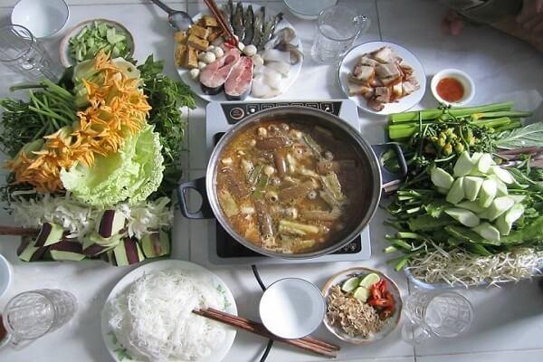 Cách nấu lẩu mắm cá linh, cá lóc ngon đúng điệu miền Tây chỉ 7 bước đơn giản mà Đậm Đà Hương Vị