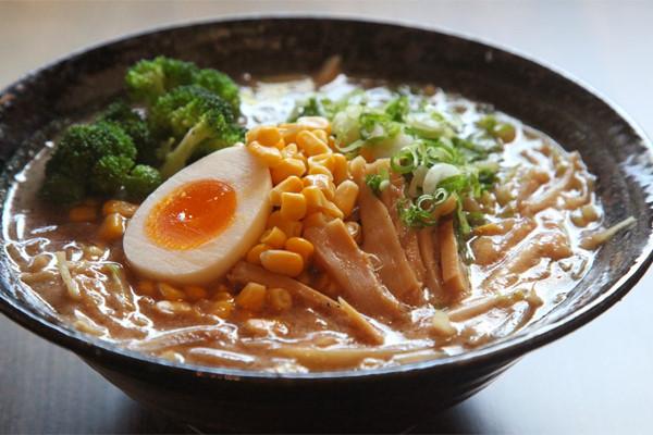 Cách nấu mì Ramen Nhật Bản ngon chết người