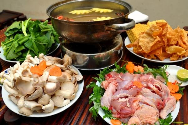 Cách Nấu Nước Lẩu Gà Ngon Cho Bữa Tiệc Gia Đình Thêm Trọn Vẹn