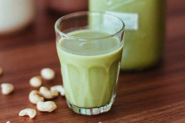 Cách nấu sữa đậu xanh với sữa tươi bổ dưỡng cho bé