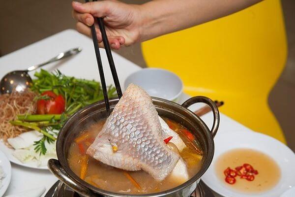 Cách nấu lẩu cá diêu hồng chua cay kiểu thái ngon và đơn giản