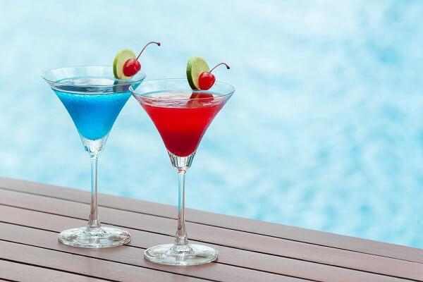 Mocktail và Cocktail là 2 loại thức uống rất được ưa chuộng