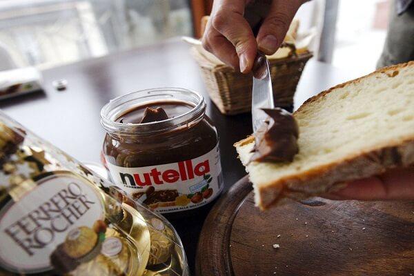 Nutella là một dạng sô cô la phết bánh mì
