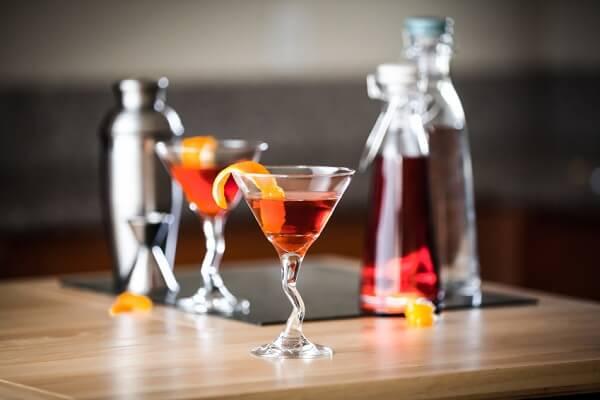 Các pha chế các loại rượu cocktail phổ biến