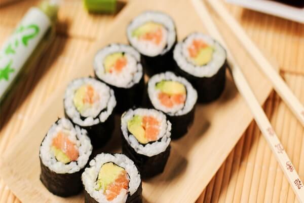 Sushi và Kimbap khác nhau thế nào, 6 điểm phân biệt giữa Sushi và KimBap đơn giản dễ nhận biết