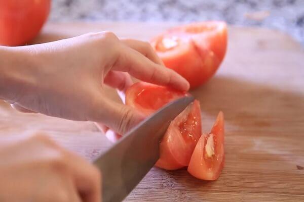 Cà chua cắt múi cau
