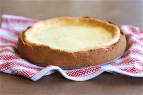 Nướng bánh trong 10 phút để cho đế bánh cứng