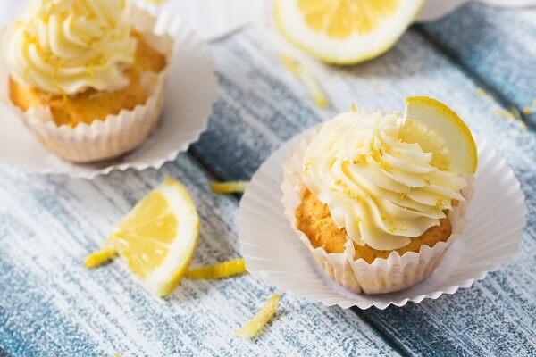 Cách làm bánh cupcake hương chanh thanh mát không cần lò nướng