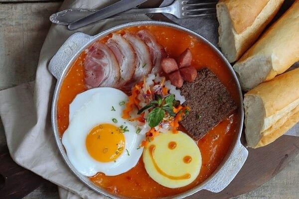2 cách làm bánh mì chảo thịt bò bít tết, trứng xúc xích để bán hoặc ăn sáng đơn giản nhất tại nhà