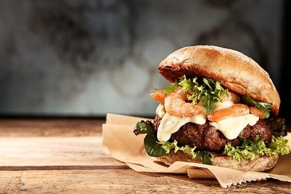 Bỏ túi ngay cách làm hamburger tôm đầy dinh dưỡng