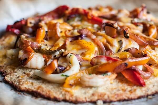 Cách làm Pizza hải sản tại nhà trải nghiệm ẩm thực Châu Âu