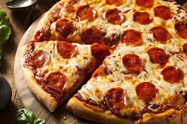 Món bánh Pizza thơm lừng nướng bằng chảo chống dính