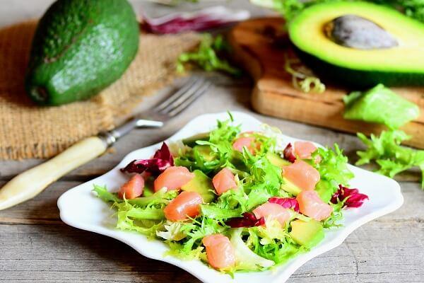 Salad bơ cá hồi vừa đơn giản vừa dễ làm