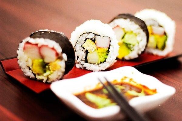 Cách làm Sushi cơm cuộn kiểu Hàn Quốc ngon đơn giản - Cách làm sushi rong biển Hàn Quốc ngon miệng, dễ làm ngay tại nhà