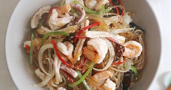 Miến trộn hải sản chua ngọt kiểu Thái - Sự lựa chọn hoàn hảo