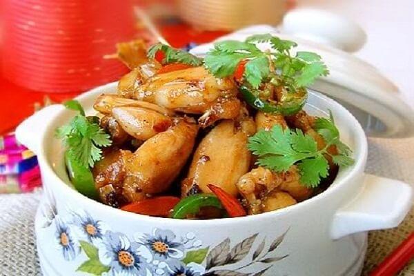 Đậm đà hương vị với món ech xao sa ot thơm ngon