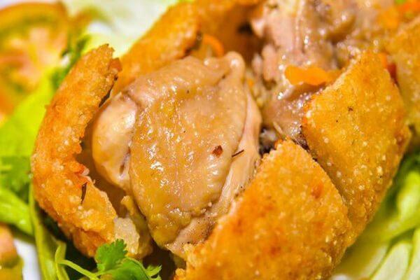 Cách làm gà bó xôi cả con (gà không lối thoát) Hà Đông ngon khó cưỡng