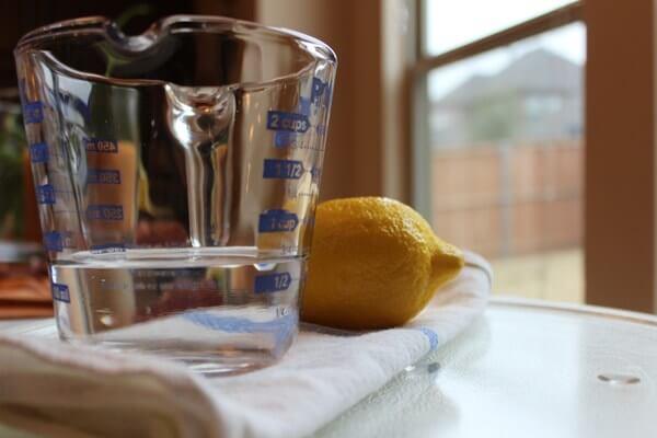 Mẹo hay giúp làm sạch lò vi sóng bằng chanh rất đơn giản