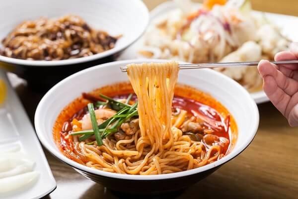 13 Món Mì Truyền Thống Nổi Tiếng Của Hàn Quốc Cho Mùa Hè