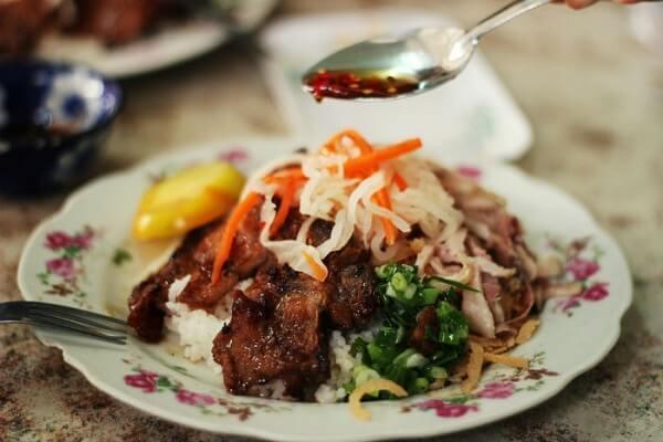 Cơm tấm Sài Gòn - món ăn Việt Nam nổi tiếng thế giới