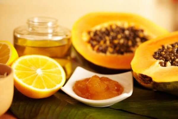 Vitamin C có trong đu đủ giúp ngăn ngừa viêm khớp