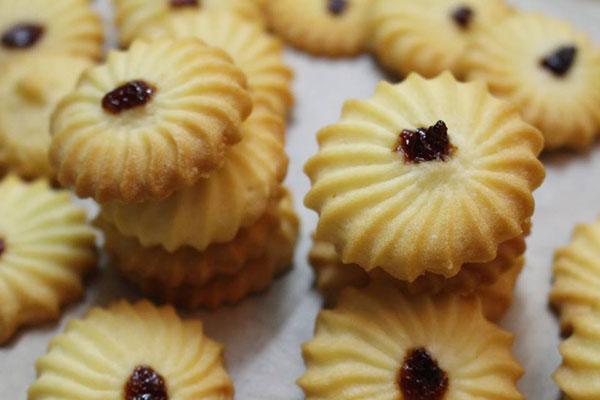 Cách làm bánh quy bơ Danisa hạnh nhân bằng lò nướng với 7 đơn giản dễ làm