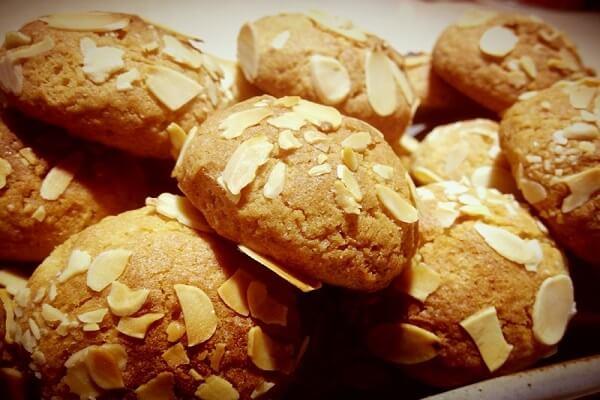 Vì bột ca cao hút nước nhiều nên bột bánh có thể sẽ hơi khô.