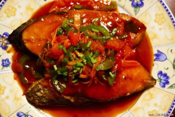 Cách làm cá thu sốt cà chua ngọt vừa khẩu vị ăn