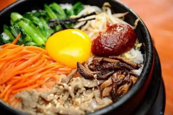 Với món cơm trộn Việt Nam tại nhà không khó.