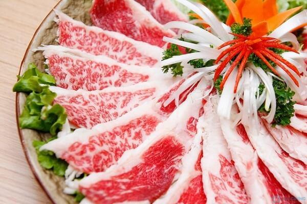 Gầu bò là phần mỡ nằm bên trong miếng thịt ở vị trí ức con bò