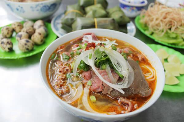 Cách nấu bún bò Nam Bộ thơm ngon cực đã tại nhà chỉ 8 bước đơn giản - Món Đặc Sản Nam Bộ Ngon Đậm Đà