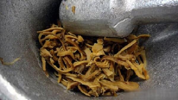 Ruốc chân nấm hương tự giã bằng cối vẫn giữ được vị ngọt và ngon nhất