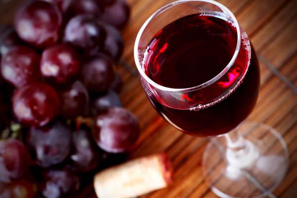 Cách Làm Rượu Nho Tại Nhà - Tác Dụng Của Rượu Nho Với Sức Khỏe