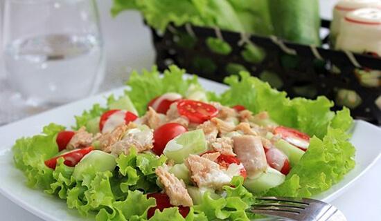 2 cách làm salad cá ngừ sốt mayonnaise ăn giảm cân đẹp da đơn giản ngay tại nhà