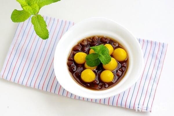 Cách nấu chè đậu đỏ nước cốt dừa giải nhiệt mùa hè