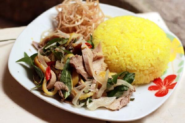 ách nấu cơm gà Hội An ngon (tương tự cơm gà Phú Yên, Tam Kỳ, Nha Trang, Quảng Ngãi, Miền Trung)