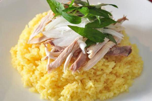 Đến Hội An, một trong các món bạn không thể bỏ qua chính là món cơm gà Hội An này - Cách nấu cơm gà Hội An ngon (tương tự cơm gà Phú Yên, Tam Kỳ, Nha Trang, Quảng Ngãi, Miền Trung)