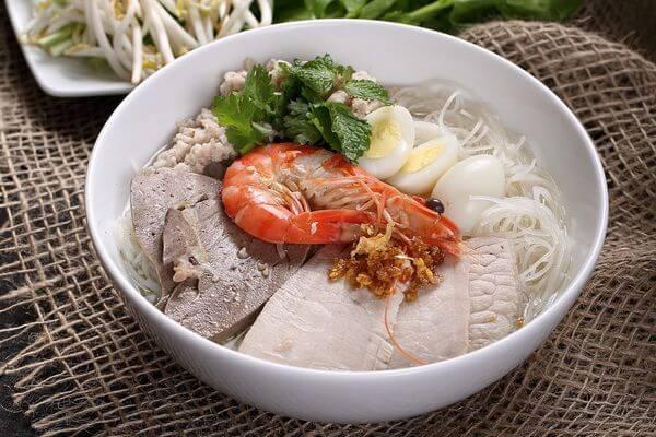 Cách nấu nước lèo hủ tiếu nam vang có nguồn gốc từ Campuchia