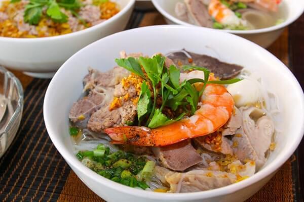 2 cách nấu hủ tiếu Nam Vang với công thức làm nước lèo bí truyền ngon nhất